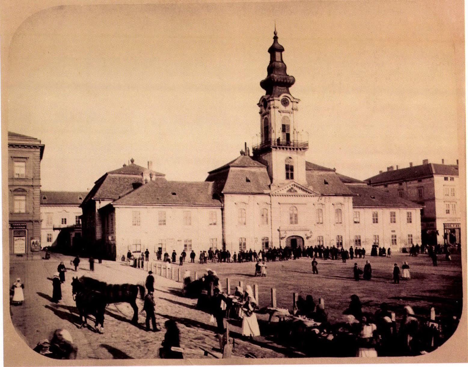 135 éve tették le a városháza alapkövét